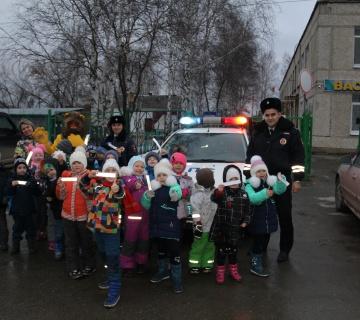 Малышам детского сада №48 рассказали о службе ДПС